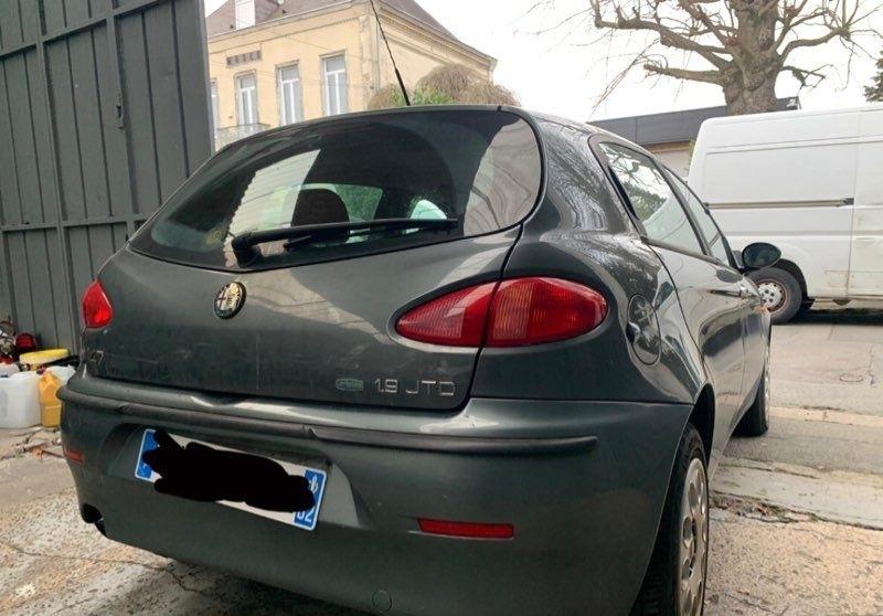 Alfa romeo 147 1.9 JTD  occasion à Harnes - photo n°3