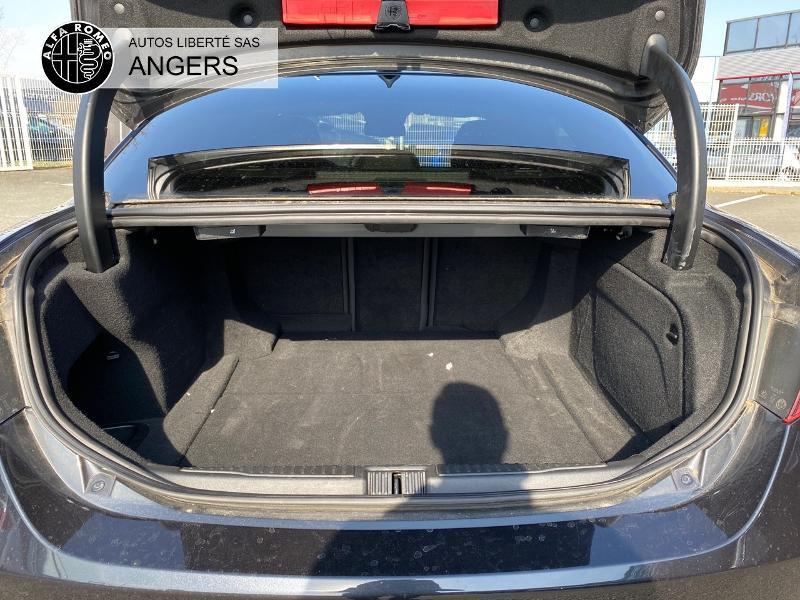 Alfa romeo Giulia 2.2 JTD 180ch Super AT8 Noir occasion à Angers - photo n°4