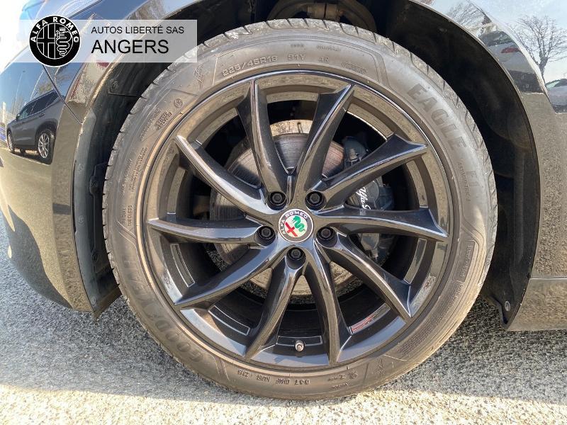 Alfa romeo Giulia 2.2 JTD 180ch Super AT8 Noir occasion à Angers - photo n°11