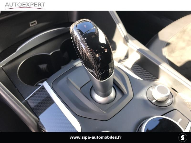 Alfa romeo Giulia 2.9 V6 510ch Quadrifoglio AT8 Gris occasion à Mérignac - photo n°17