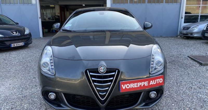 Alfa romeo Giullietta 1.4 TB MULTIAIR 170CH EXCLUSIVE STOP&START TCT Gris occasion à VOREPPE - photo n°2