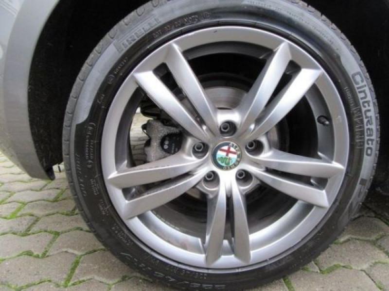 Alfa romeo Giullietta 1.6 JTDM Impression 105 Gris occasion à Beaupuy - photo n°8