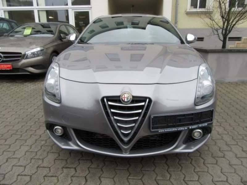 Alfa romeo Giullietta 1.6 JTDM Impression 105 Gris occasion à Beaupuy - photo n°6