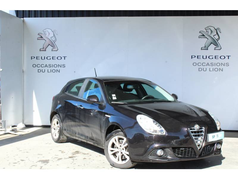 Alfa romeo Giullietta 2.0 JTDm 150 ch S&S Distinctive Noir occasion à Saint-Pierre-du-Mont - photo n°6