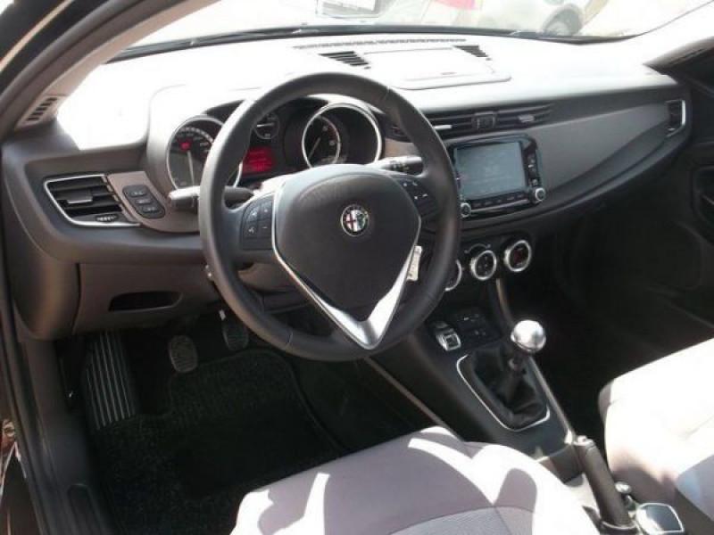Alfa romeo Giullietta 2.0 JTDM Exclusive 150 Noir occasion à Beaupuy - photo n°3