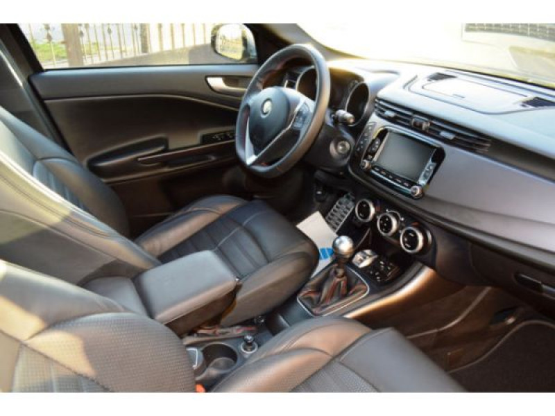 Alfa romeo Giullietta 2.0 JTDM Exclusive 150 Gris occasion à Beaupuy - photo n°3