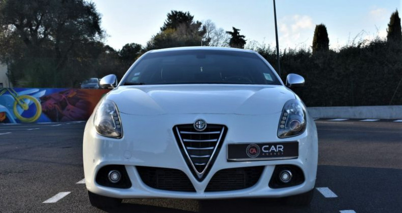 Alfa romeo Giullietta Exclusive 2.0 150 Ch ! GARANTIE Blanc occasion à ANTIBES - photo n°2