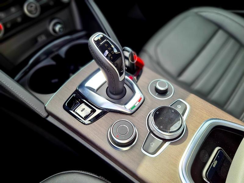 Alfa romeo Stelvio 2.2 Diesel 160ch Ti AT8 MY20 Noir occasion à Mérignac - photo n°14
