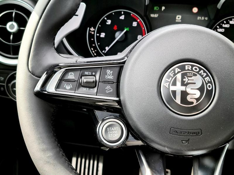 Alfa romeo Stelvio 2.2 Diesel 160ch Ti AT8 MY20 Noir occasion à Mérignac - photo n°13