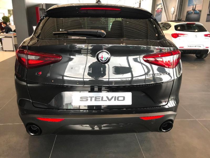 Alfa romeo Stelvio 2.2 Diesel 190ch Sprint Q4 AT8 MY21 Noir occasion à Mérignac - photo n°3