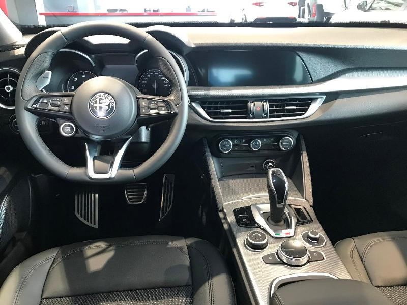 Alfa romeo Stelvio 2.2 Diesel 190ch Sprint Q4 AT8 MY21 Noir occasion à Mérignac - photo n°6