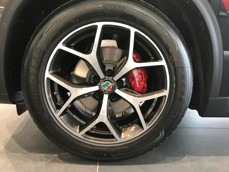 Alfa romeo Stelvio 2.2 Diesel 190ch Sprint Q4 AT8 MY21 Noir occasion à Mérignac - photo n°10