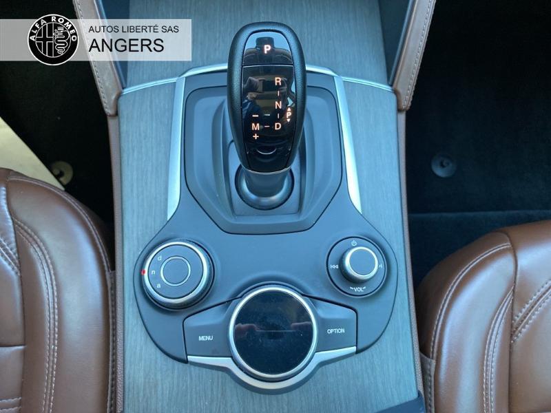 Alfa romeo Stelvio 2.2 Diesel 210ch Lusso Q4 AT8 Gris occasion à Angers - photo n°14