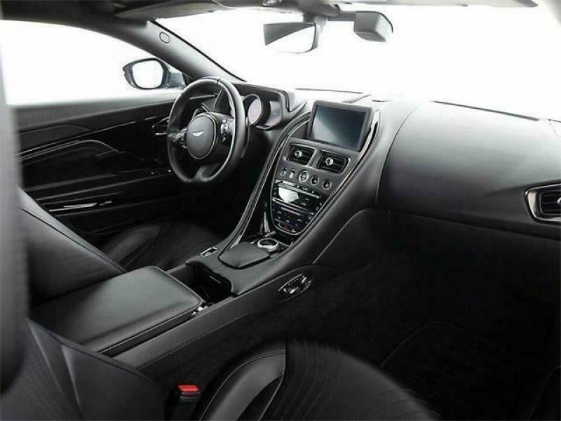 Aston martin DB11 5.2 Biturbo V12 Gris occasion à BEAUPUY - photo n°2