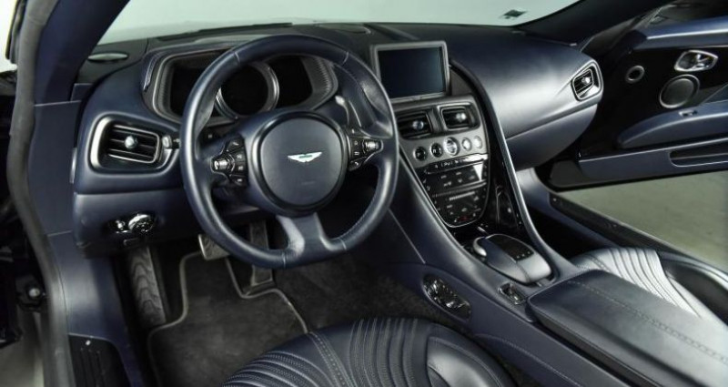 Aston martin DB11 608CH Bleu occasion à Paris - photo n°3