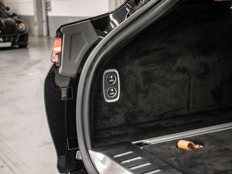 Aston martin DBX 4.0 V8 Bi-Turbo Noir occasion à BEAUPUY - photo n°9