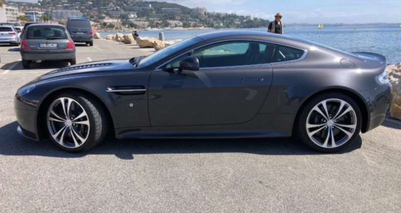 Aston martin V12 Vantage 5.9 Gris occasion à REZE - photo n°2