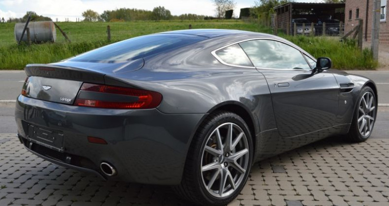 Aston martin V8 Vantage 4.7i 426 ch 40.000 km !! Superbe état ! Gris occasion à Lille - photo n°2