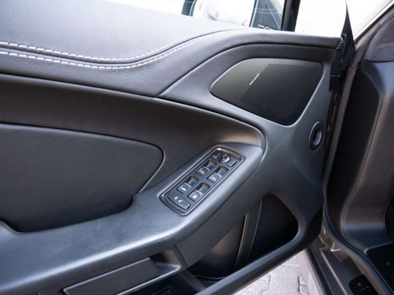 Aston martin Vanquish 6.0 V12 Gris occasion à BEAUPUY - photo n°4