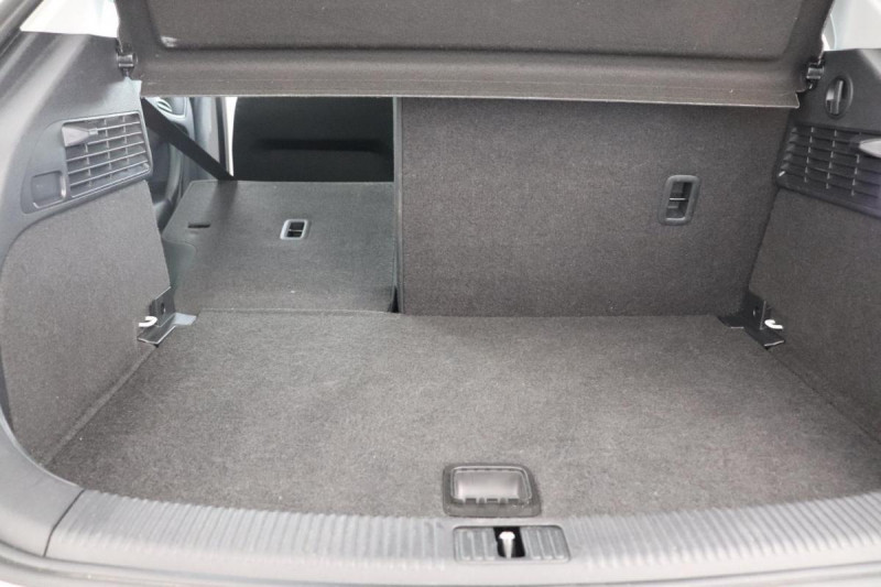 Audi A1 Sportback 1.4 TDI ultra 90 Blanc occasion à Seclin - photo n°8