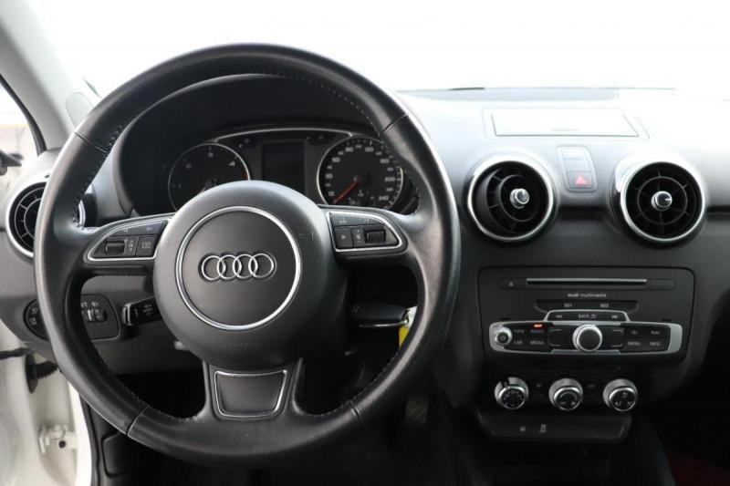 Audi A1 Sportback 1.4 TDI ultra 90 Blanc occasion à Seclin - photo n°4
