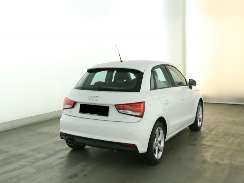 Audi A1 Sportback 1.4 TFSI 125 cv Blanc occasion à Beaupuy - photo n°3