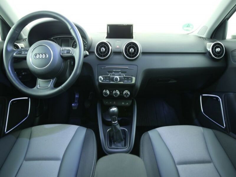 Audi A1 Sportback 1.4 TFSI 125 cv Blanc occasion à Beaupuy - photo n°2