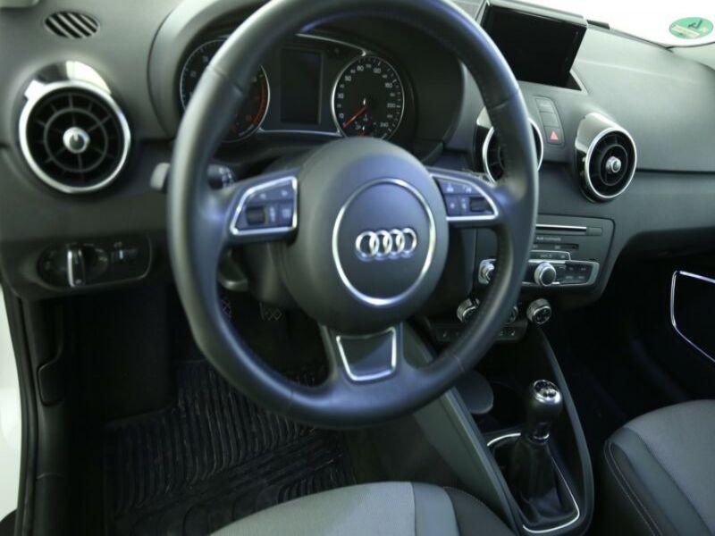 Audi A1 Sportback 1.4 TFSI 125 cv Blanc occasion à Beaupuy - photo n°4