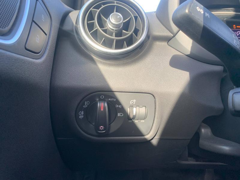 Audi A1 Sportback 1.4 TFSI 125ch Ambition Luxe S-tronic 7 + Toit ouvrant Noir occasion à SAINT-GREGOIRE - photo n°16