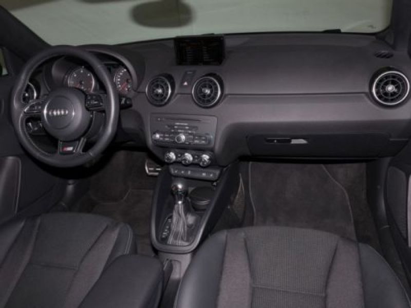 Audi A1 Sportback 1.6 TDI 116 cv S tronic S Line Noir occasion à Beaupuy - photo n°2