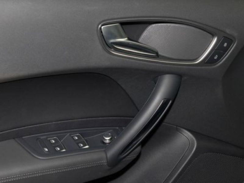 Audi A1 Sportback 1.6 TDI 116 cv S tronic S Line Noir occasion à Beaupuy - photo n°9