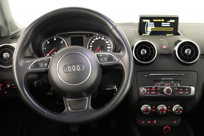 Audi A1 Sportback 1.6 TDI 116 Bleu occasion à Saint-Priest - photo n°5