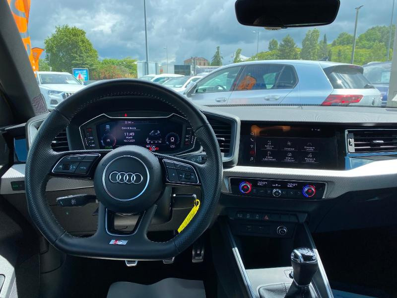 Audi A1 Sportback 30 TFSI 116ch S line Jaune occasion à Albi - photo n°4