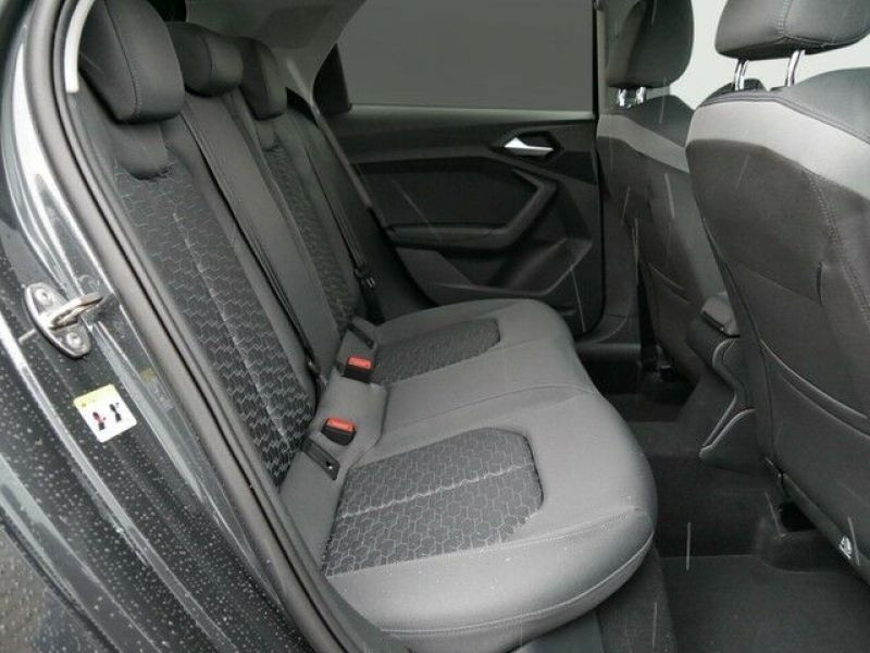 Audi A1 Sportback 35 TFSI 150 S tronic Gris occasion à Beaupuy - photo n°8