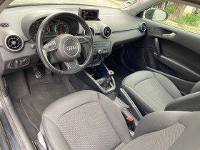 Audi A1 1.0 TFSI 82ch Ambiente Noir occasion à Castelmaurou - photo n°3
