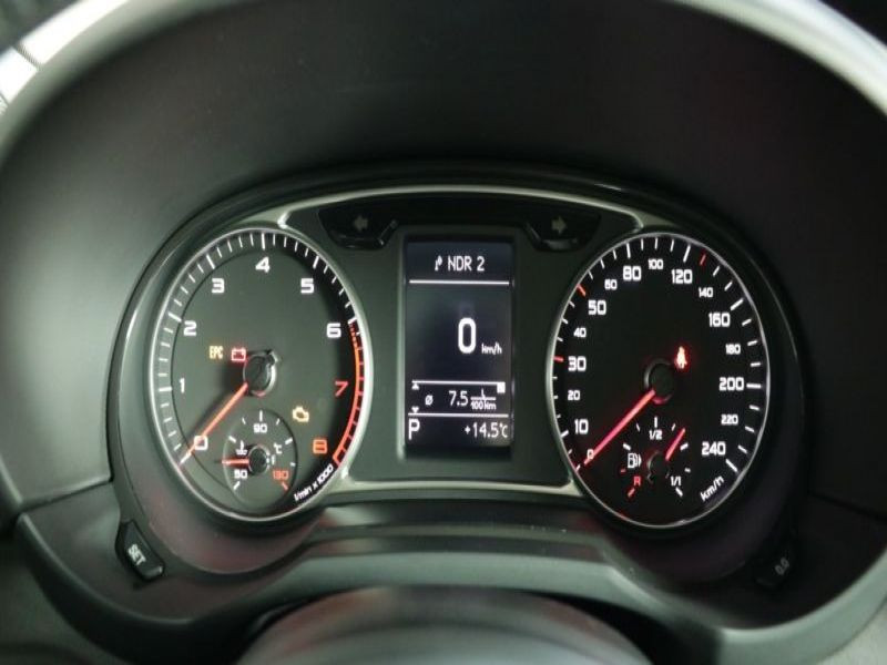 Audi A1 1.4 TFSI 125 cv S Tronic Gris occasion à Beaupuy - photo n°7