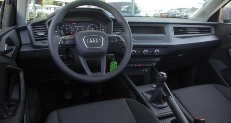 Audi A1 II 1.0 TFSI 95 Gris occasion à Chambourcy - photo n°2