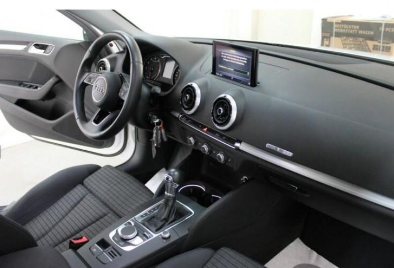 Audi A3 Berline 1.5 TFSI 150CH S LINE S TRONIC 7 Blanc occasion à Villenave-d'Ornon - photo n°8
