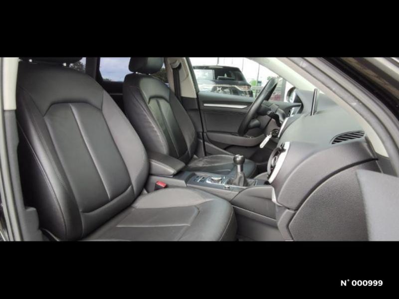 Audi A3 Berline 1.6 TDI 110ch FAP Ambiente Noir occasion à Écuelles - photo n°6