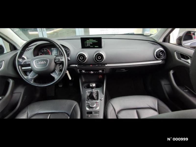 Audi A3 Berline 1.6 TDI 110ch FAP Ambiente Noir occasion à Écuelles - photo n°9