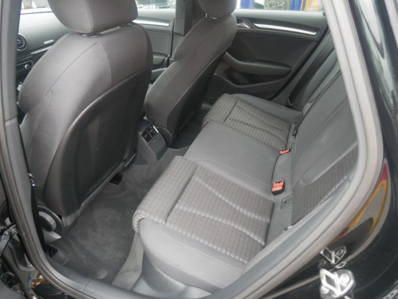 Audi A3 Berline 30 TDI 116 STRONIC SPORT GPS Xénon Plus  occasion à Toulouse - photo n°3