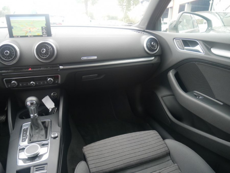 Audi A3 Berline 30 TDI 116 STRONIC SPORT GPS Xénon Plus  occasion à Toulouse - photo n°12