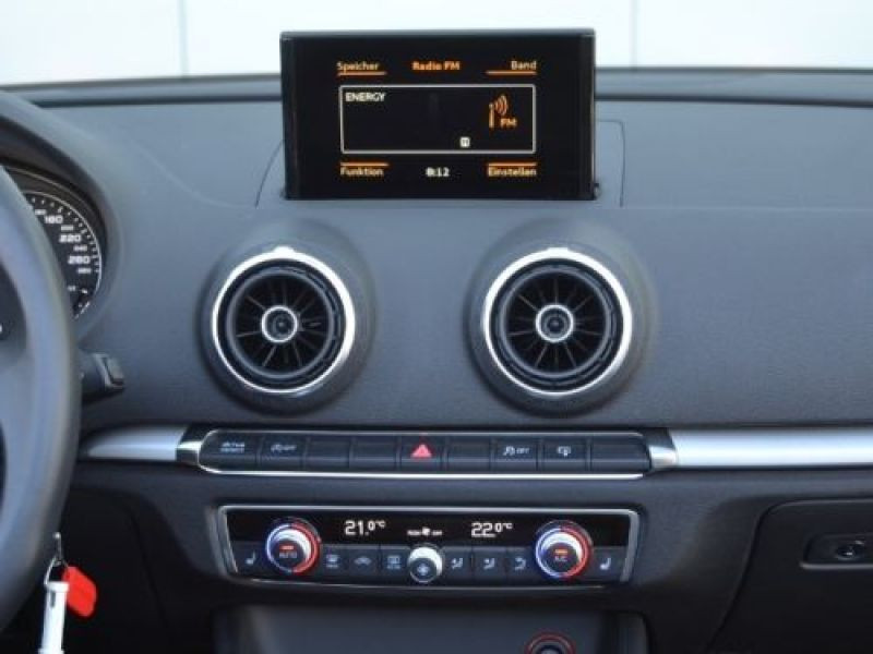 Audi A3 Cabriolet 1.4 TFSI 125 S Tronic Bleu occasion à Beaupuy - photo n°6