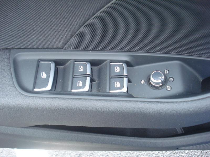 Audi A3 Cabriolet 1.5 TFSI 150ch COD Sport Bleu occasion à Aurillac - photo n°10