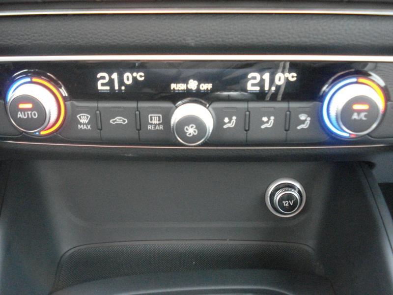 Audi A3 Cabriolet 1.5 TFSI 150ch COD Sport Bleu occasion à Aurillac - photo n°8
