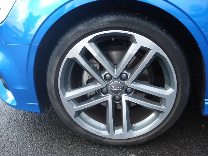 Audi A3 Cabriolet 1.5 TFSI 150ch COD Sport Bleu occasion à Aurillac - photo n°18