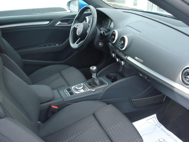 Audi A3 Cabriolet 1.5 TFSI 150ch COD Sport Bleu occasion à Aurillac - photo n°16