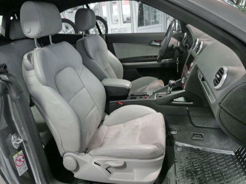 Audi A3 Cabriolet 2.0 TDI 140 DSG Gris occasion à Beaupuy - photo n°5