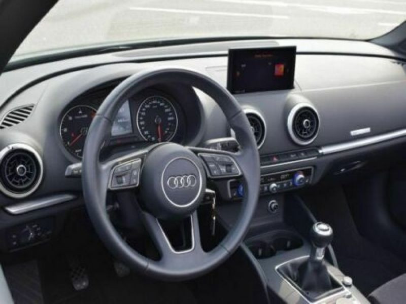 Audi A3 Cabriolet 2.0 TDI 150 cv Gris occasion à Beaupuy - photo n°2