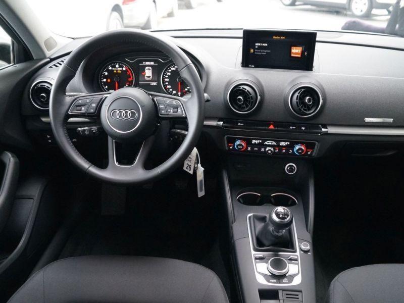 Audi A3 Sportback 1.0 TFSI 116 Argent occasion à Beaupuy - photo n°2